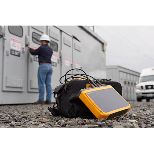 Fluke 1746/30/EUS Three-Phase Semi-Fixed Basic Power Quality Logger with 24 in. iFlex Current Probes, 3000A (In Field)