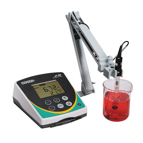 Oakton WD-35419-12 Eutech pH 700 pH/ORP/Temperature Benchtop Meter and Stand, 110/220 VAC, 50/60 Hz