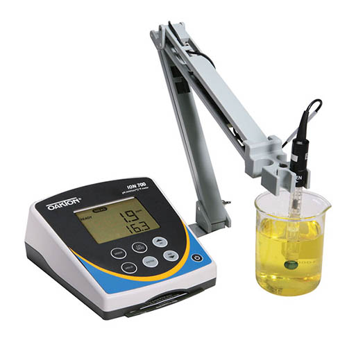 Oakton WD-35419-22 Ion 700 pH/Ion/mV-redox ORP/Temperature Meter w/Electrode Stand, 110/220 VAC
