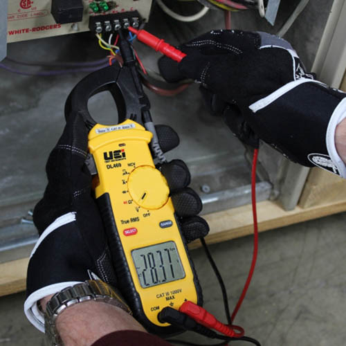 UEi DL469 True-RMS AC Clamp Meter, 750VAC/600VDC, 400AAC with Non-Contact Voltage Tester (DL469 in Action 2)