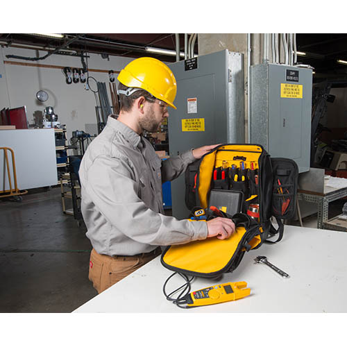 ... Fluke Pack30 Industrial-Grade Professional Tool Backpack with 30  Pockets (In Field (Tools ... 78215c165ec21
