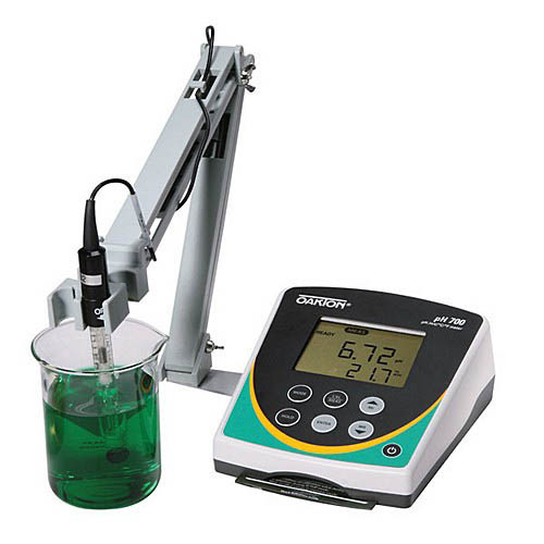 Oakton WD-35419-05 pH 700 pH/ORP/Temperature Benchtop Meter with pH Electrode & NIST Calibration